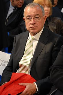 220px-alain_lamassoure_-_sarkozys_meeting_in_toulouse_for_the_2007_french_presidential_election_0040_2007-04-12