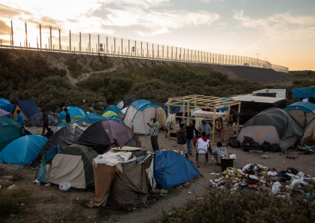 refugeecampcalais.jpg
