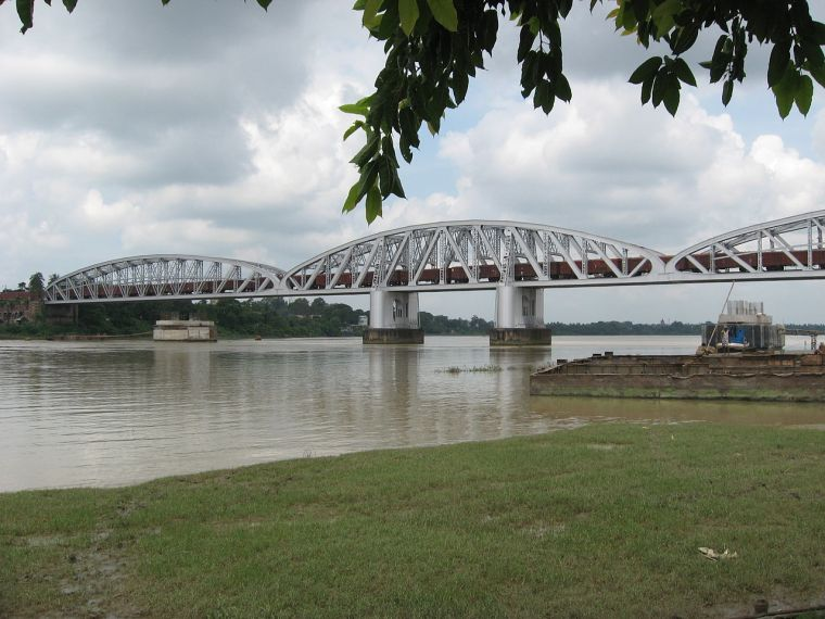 1280px-Jubilee_Bridge_(Naihati-Bandel)_by_Piyal_Kundu.jpg