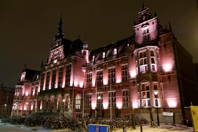 Academiegebouw_Groningen_bij_avond.jpg
