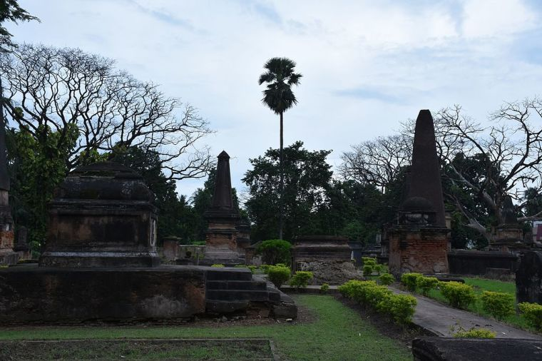 Another_view_of_Dutch_Cemetry,_Chinsurah_NKN_1513.jpg