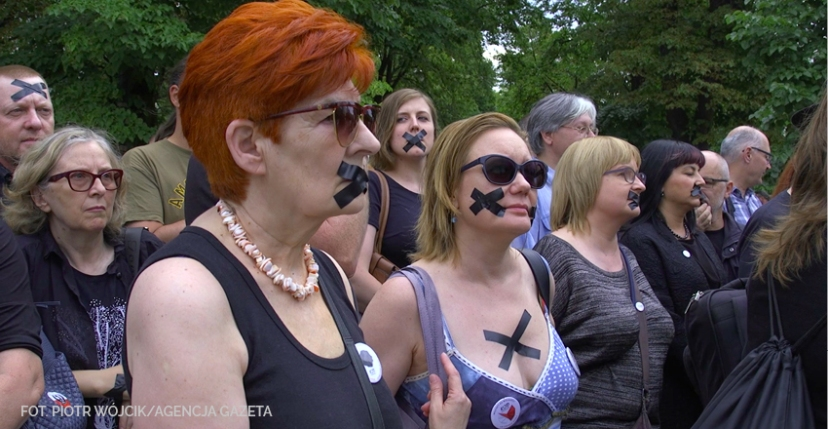 czarny_protest_feat