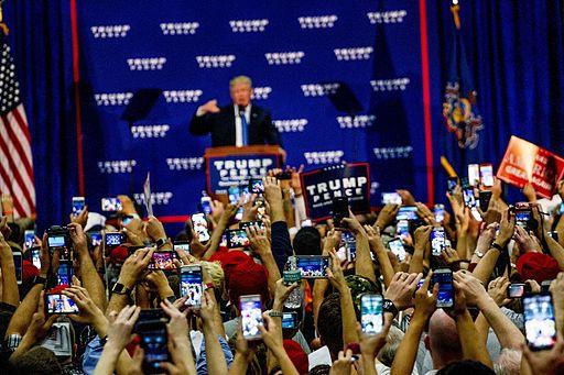 donald_trump_rally_10-21-16_29849628404