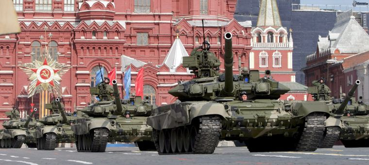 military-parade-tanks-kremlin-russia-158713