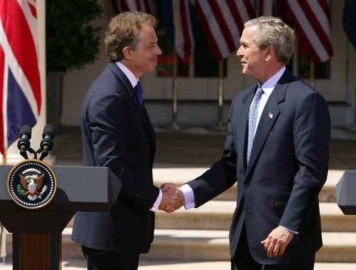 Blair_Bush_Whitehouse_(2004-04-16).jpg