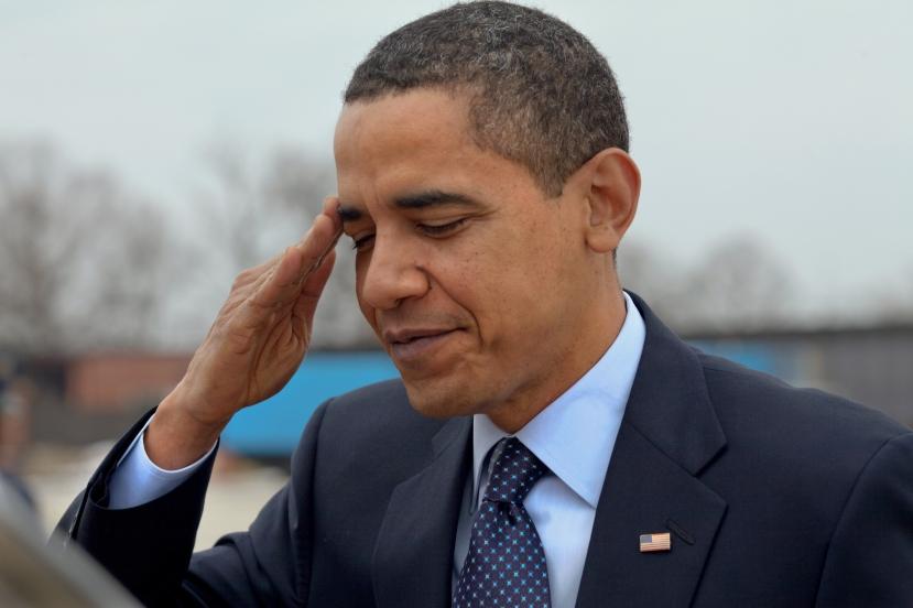 Obama_salutes.jpg