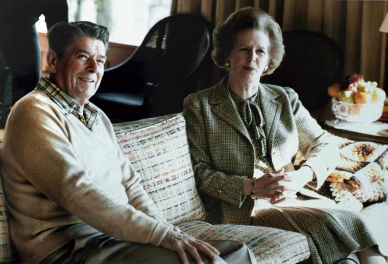 Thatcher_Reagan_Camp_David_sofa_1984.jpg