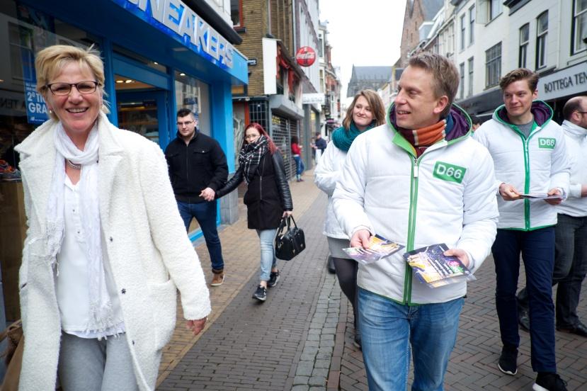 D66_campagne_voor_associatieverdrag_Oekraïne_(25913605946).jpg