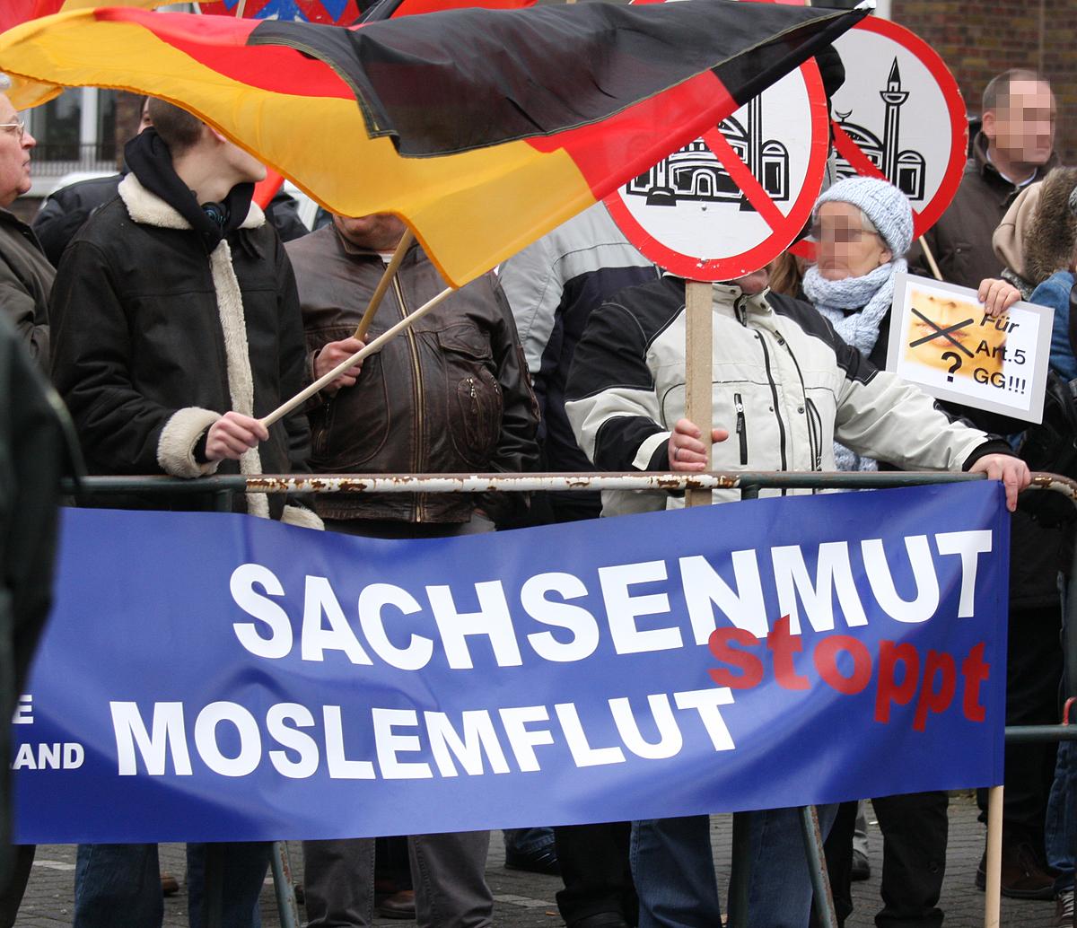 arbeit_familie_vaterland_transparent_sachsenmut_stoppt_moslemflut