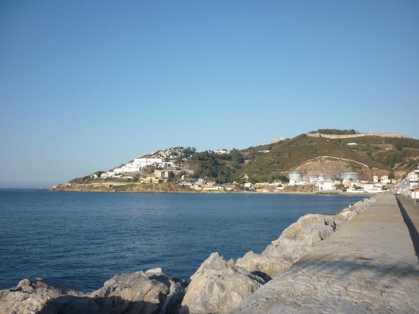 Vista_del_Hacho_desde_muelle_de_Levante_del_puerto_de_Ceuta
